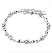 Bratara din argint cu cristale pentru mireasa http://www.bijuteriifrumoase.ro/cumpara/bratara-argint-cu-cristale-3502
