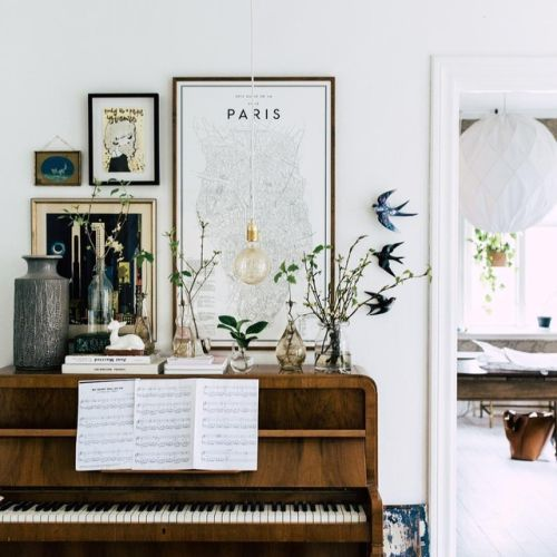 Piano. Plants. Prints.