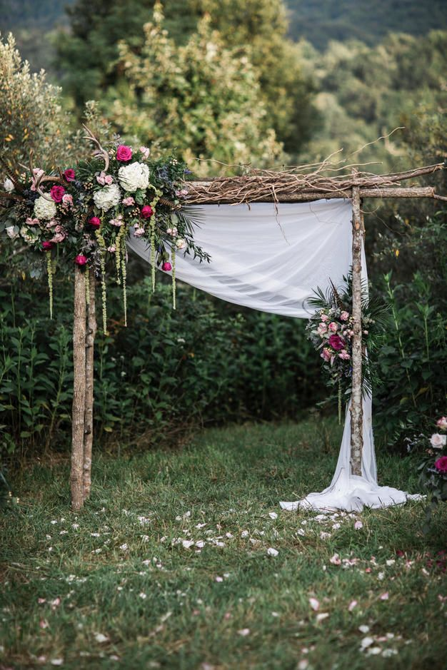 Gentil Whimsical Rustic Outdoor Wedding Arches Ideas #wedding #weddingideas # Weddings