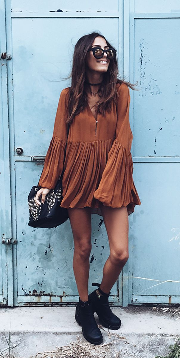 Stylish Plunging Neck Long Sleeve Solid Color Pleated Women's Mini Dress
