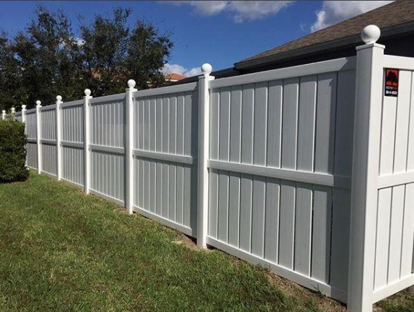 3 Rail Semi Privacy Vinyl Fence Design Mossy Oak Fence Company Fence Design Vinyl Fence Outdoor Decor