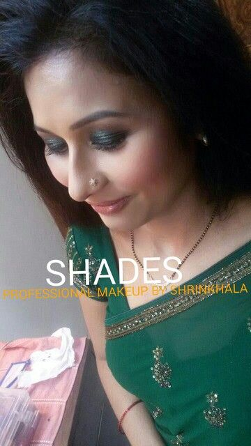 Indian girl#smokey eye# saree#party makeup# green # elegant beauty
