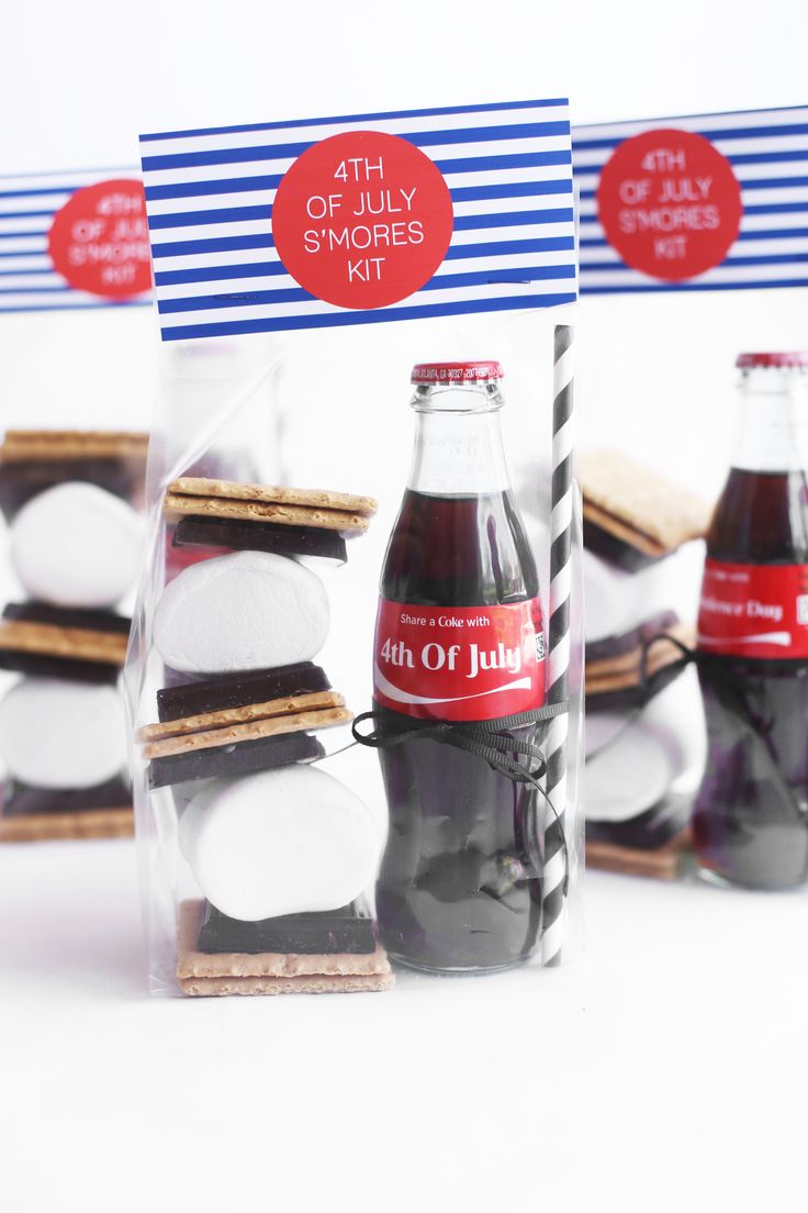 DIY 4th of July S'mores Kits party favors @cocacola #ad #ShareACoke