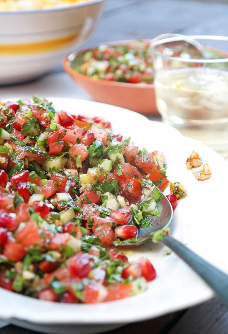 Manchmal ist es ein feiner Unterschied, zwischen ganz normal und Lecker! Der Löffelsalat mit Granatapfel und Walnuss macht es vor - sehr lecker!