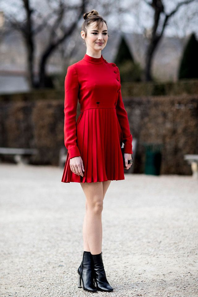 Уличная мода: Уличная мода Парижа на неделе высокой моды сезона весна-лето 2017