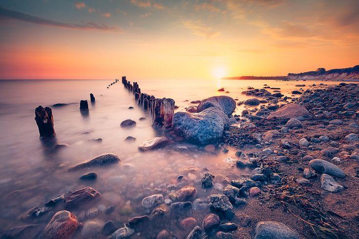 Buhne zur Morgendämmerung (Glowe / Rügen), Buhne, Glowe, Ostsee, Sonnenaufgang, Strand, Wellenbrecher