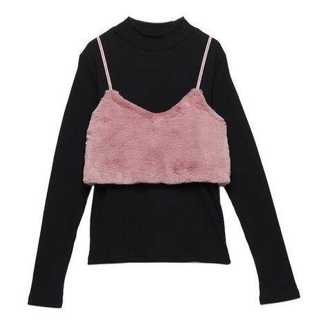 愛らしくリッチな印象を与えるフェイクファービスチェと、品のあるハイネックTシャツのセットです。アウターはシルエットをコンパクトにまとめており、バランスの良いレイヤードコーデが完成するアイテム♪ それぞれ単体でも着回せます。・モデルサイズ165cm・着用Mサイズ
