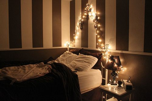 Love it: Dreams Bedrooms, Teen Bedrooms, Small Bedrooms, Stripes Wall, Night Lights, Christmas Lights, New Rooms, Girls Rooms, Teenage Bedrooms