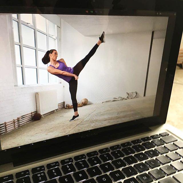 Behind the scenes with @biancawalkdentkd 💥💥💥 Shooting for the latest issue of @foreversports_ 📖 Wearing SportFX cosmetics and killing it! 👌🏼 #sportfx #sweatsmartsweatsexy #fiercelyfit #getyourgamefaceon #gymface #makeup #skincare #beauty #bblogger #fitness #gym #workout #sport #instafit #health #sportsmakeup #taekwondo #teamgb #biancawalkden #bts #photoshoot #martialarts #combatsports #fashion #magazine #olympics #rio2016