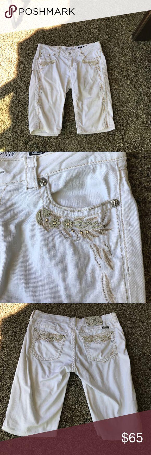 Miss Me white Bermuda Capri Shorts Miss Me White Bermuda Capri shorts.  Excellent condition. Miss Me Shorts Jean Shorts