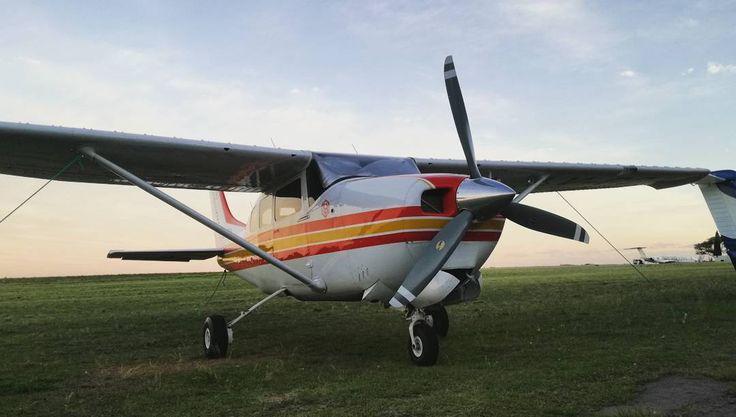 Cessna 210 Centurion ✈    #cessna210 #instamoment #instapic #picoftheday #crewlife #pilot #cessna #aircraft #airplane #fly #aviation #sky #instaphoto #avion