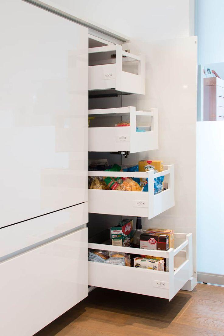 Moderne Küche Bilder: Vorratsschrank Mit Innenauszügen