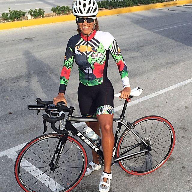 Nuestra Seguidora Triatleta Saskyacp Luciendo Su Traje Tucan Disponible En Todos Los Size Kafittrd Tucan Triatlet Cycling Girls Bicycle Girl Cycling Chicks