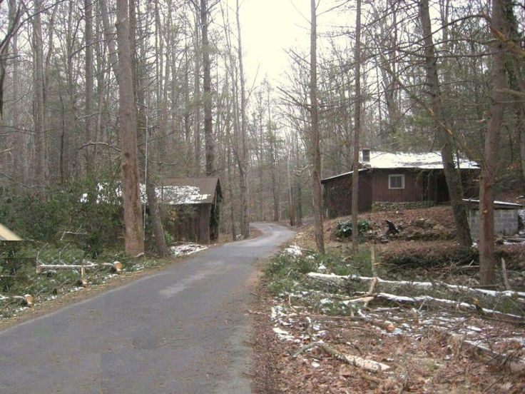 Bristol, Tennessee- this empty cabin is down in possum creek off hickory tree rd and its suppose to be haunted...they say if u walk up to the front door you can hear '50s type music playing from a radio. Go by webbs store and turn left then the road that goes to hickory tree store (maybe its ryder church rd) u go to either the first or 2nd road (its a dead end) and the cabin is on that rd