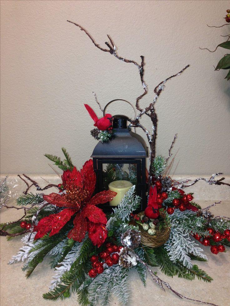 Christmas Wreath Centerpiece Ideas : Christmas lantern wreaths and floral arrangements