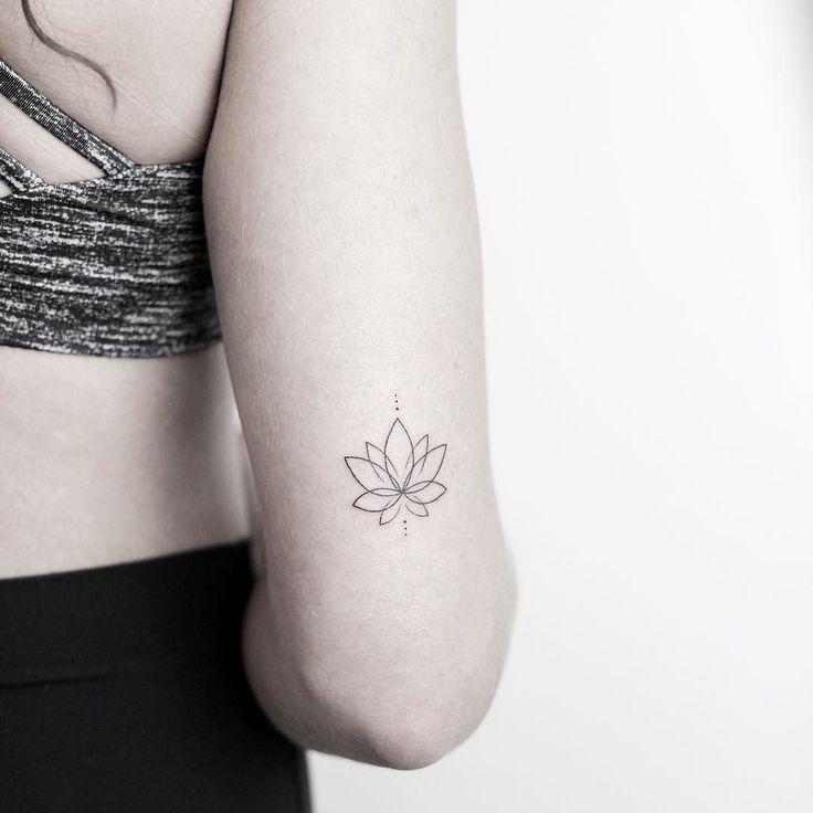 Small minimal lotus – thank you Lily! ______________________________________ #rachainsworth #lagrainetattoo #lotustattoo #finelinetattoo #smalltattoo