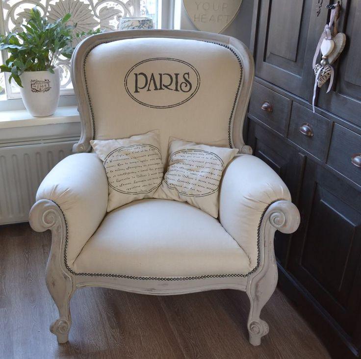 Goedenavond Jayne, deze prachtige stoel geverfd met mix Old White en French Linen... groetjes Beata