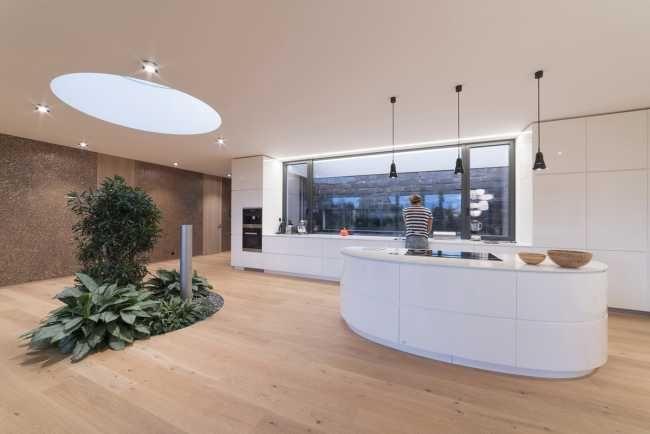 Trošku iný bungalov – s prírodou priamo v obývačke | Dizajn | Architektúra | www.asb.sk