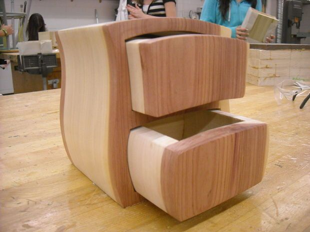 A Bandsaw box KIDS can make...if they can make surely so can I. :D