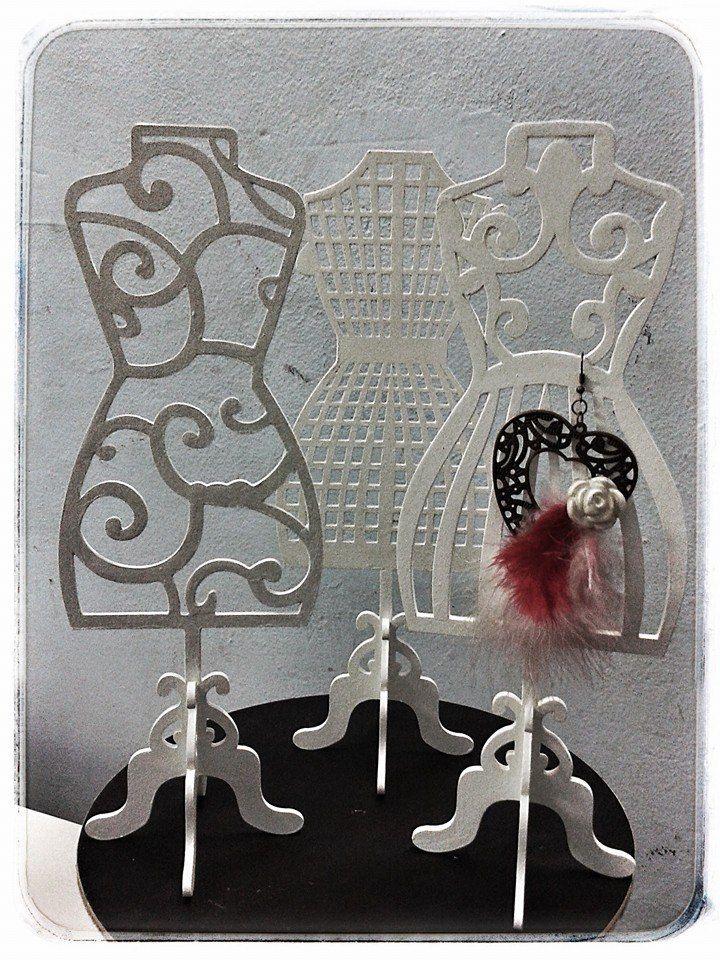 Estilo MAYAY-Diseño en Exhibidores porta Cup cakes, Candy bar, & Cakes Maniquies 30 cm. alto