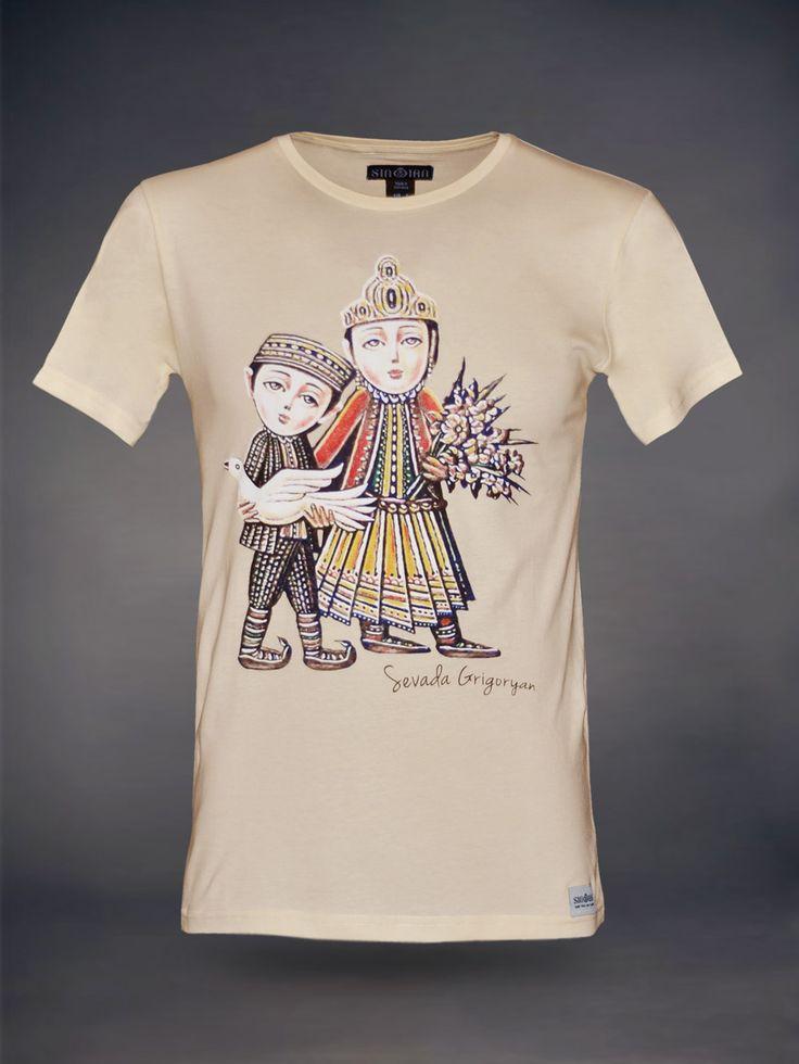 modernes sinoian herren t shirt mit rundem v ausschnitt aus der exklusiven sevada kollektion in. Black Bedroom Furniture Sets. Home Design Ideas