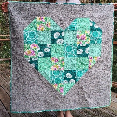 Fun heart quilt in fabulous colors by Carolina Anne.