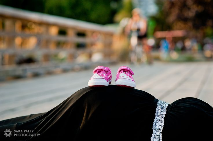 Baby bump with baby shoes.  Best photos of 2015: Sara Paley Photography #paleypix #portraitphotography #vancouverphotographer #burnabyphotographer @sarapaleyphoto