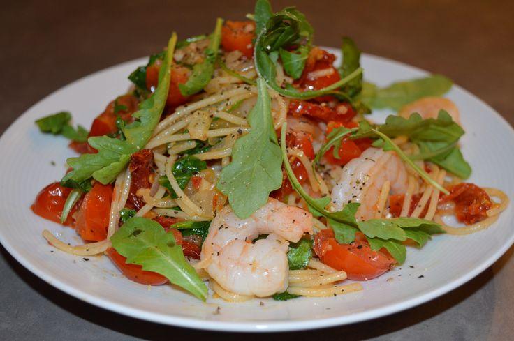 Gluten-Free Prawn & Arugula Pasta (single serving) Follow link for full recipe! https://www.facebook.com/smartfuelyyc/photos/a.330413347129466.1073741829.329745253862942/340685596102241/?type=1&theater