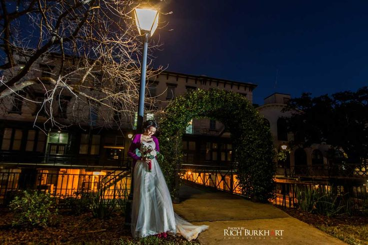 evening weddings can produce some beautiful images www