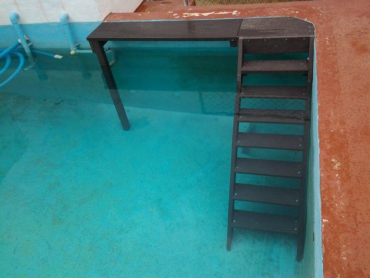 La cómoda escalera de Export Directe para poder entrar en tu piscina a darte un baño fresco y relajante. Al estar fabricada con plástico reciclado. Aguanta perfectamente el agua sin ninguna alteración.