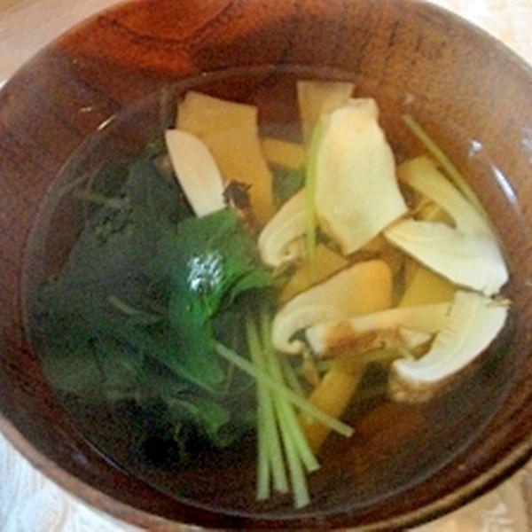 秋の味覚 松茸のお吸い物