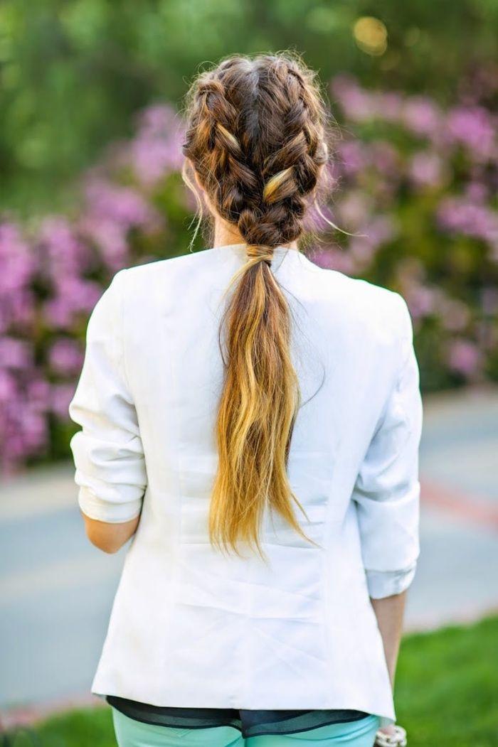 tresses plaquées qui se transforment en une queue de cheval, idée coiffure femme cheveux longs, coiffure pour la rentrée