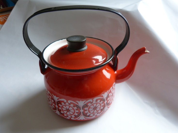 Finel kettle designed by Kaj Frank