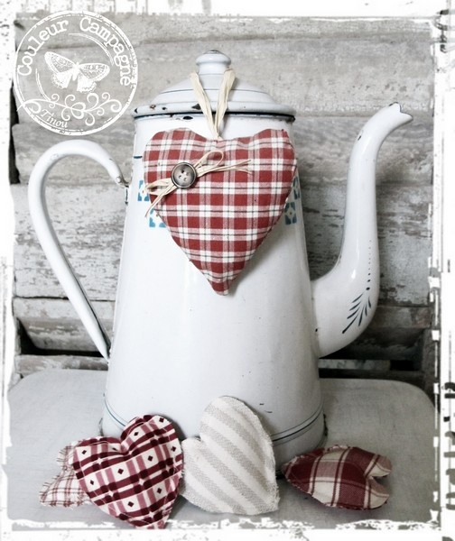 *A really cute idea!...These pretty hearts will look nice in my red and white kitchen!