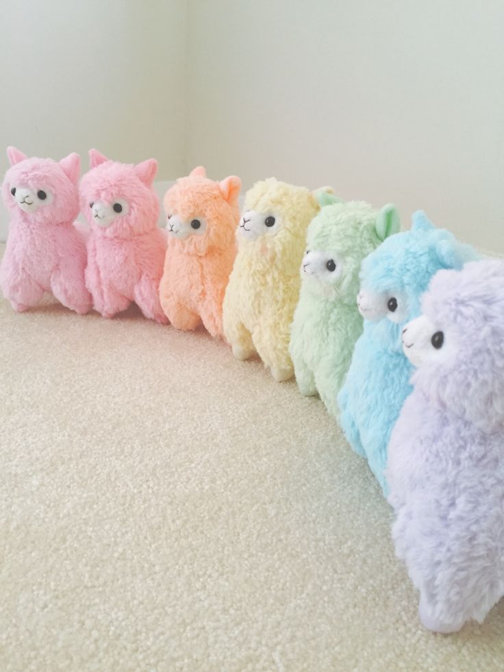 Cute alpaca and llama plushies is pretty colors. So beautiful. Repin if you love! 16 cm Macaron Alpacasso by surisso @ tumblr