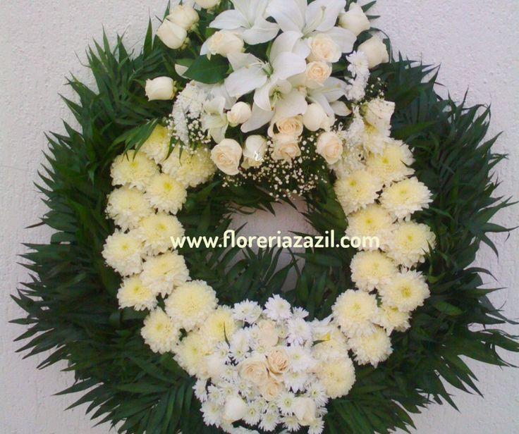 Coronas Funebres en Cancún | Arreglos funebres, cubrecajas, coronas, arreglos de condolencias. www.floreriazazil.com #floreriasencancun #cancunflorist #cancunfuneralarrangements