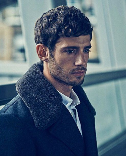 Pin for Later: 24 Supersexy Reasons to Love British Actor Julian Morris When He Went For the Sexy Scruffy Look