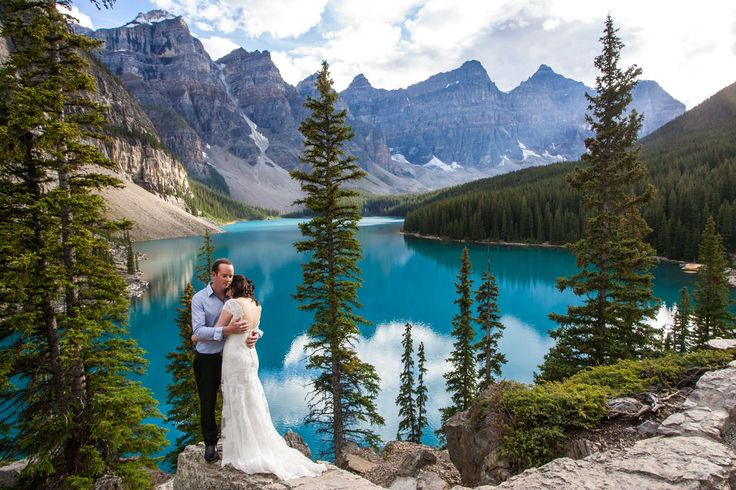 Moraine Lake Wedding | Banff Wedding Photographer | Moraine Lake Elopement www.one-edition.ca