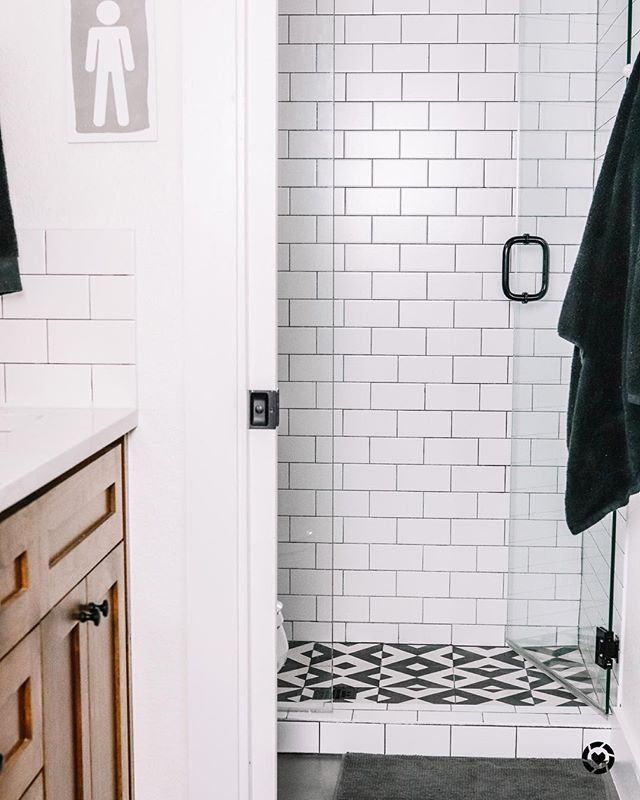 Modern Farmhouse Bathroom With White Subway Tile And Black Grout Complete With Cement Tile Boys Bathroom Bathroom Inspiration White Subway Tile