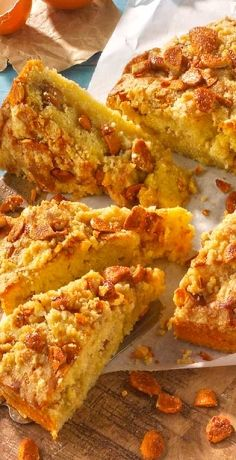 Süß trifft salzig, eine großartige Kombi! Unser saftiger Joghurtkuchen mit Honigmandeln bringt Ihre Geschmacksnerven auf ein neues Level! Hier geht es zum Rezept » https://www.rewe.de/rezepte/joghurtkuchen-mit-honigmandeln/