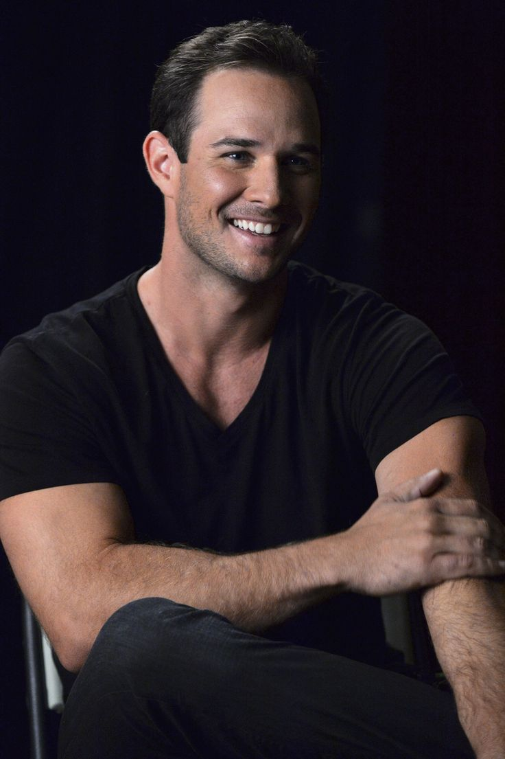 Ryan Merriman (Ian!) is BACK for PLL Halloween! Don't miss the PLL Halloween special Tuesday, Oct 21 at 8/7c on ABC Family!