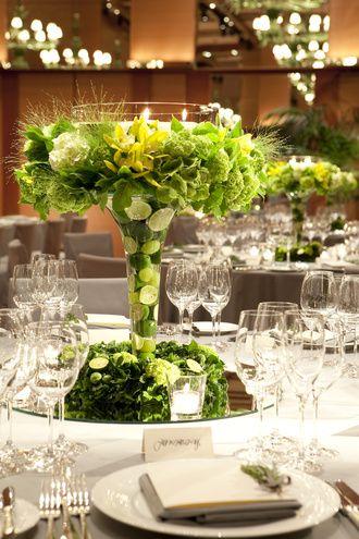 上に広がるデザインでラグジュアリー感とライムの香り広がる爽やかで、エレガントな空間に *高級感のある会場装花 一覧*