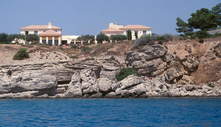 Leventis Residence : Private Residences Projects : Porphyrios Associates