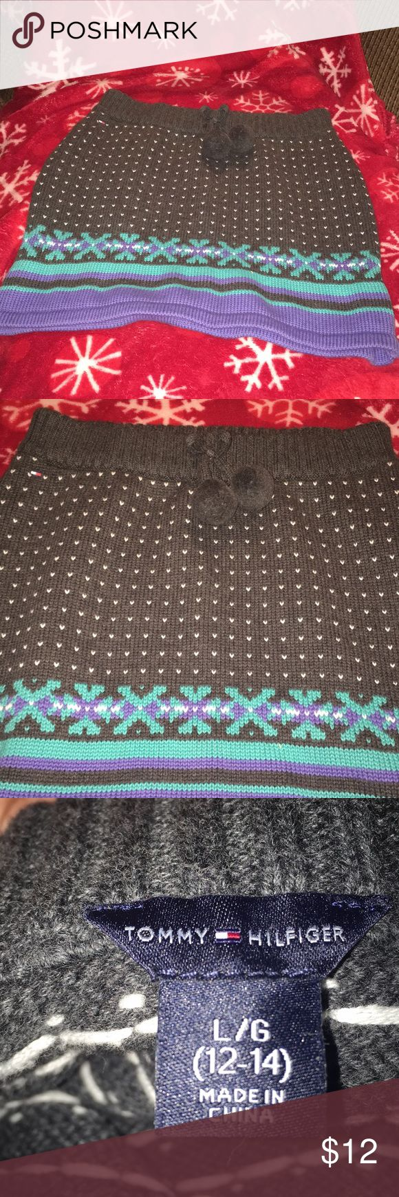 Tommy Hilfiger Girls Sweater SKIRT. LIKE NEW 12/14 This is so nice !!!   Beautiful with a pair of tight or leggings for the winter ❄️ months.  Excellent condition !!   You will love it !!  ❤️❄️❤️ Tommy Hilfiger Bottoms Skirts