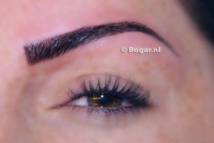 http://www.bogar.nl/permanente-make-up    Permanente make up 3D wenkbrauwen d.m.v. hairstroke techniek geven een zeer mooi en natuurlijk resultaat. We hebben meer dan15 jaar ervaring met wenkbrauwen tatoeëren en zijn in het bezit van het permanente make up GGD certificaat.