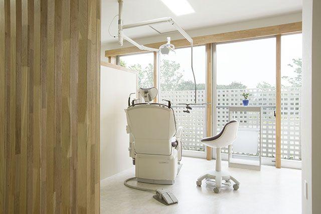 【リフォーム】明るい雰囲気の診療室、お庭を眺めながらリラックスして診療を受けられます。|歯科医院|【オーナーズレポートをホームページにて掲載中】