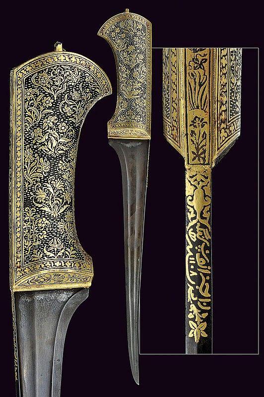 A beautiful pesh-kabz - by Czerny's International Auction House