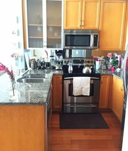 Yorkville, Toronto Condos & Short Term Rentals - Airbnb - Get $25 credit with Airbnb if you sign up with this link http://www.airbnb.com/c/groberts22