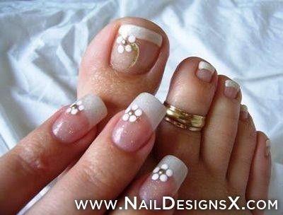 Toe and finger nail design 3 Not a fan of the finger nail length though. - Počet Nápadov Na Tému French Toes Na Pintereste: 17 Najlepších