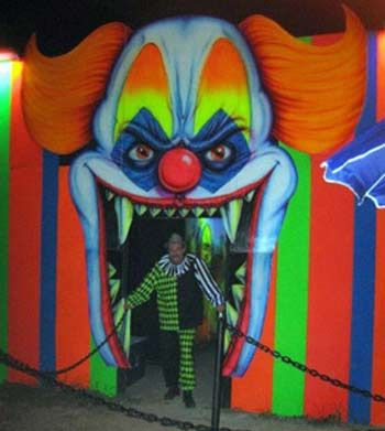 hauntedcarnival if it s a haunted carnival it must be clowns oh shit not more evil - Scary Clown Halloween Decorations
